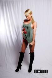 http://thumbnails19.imagebam.com/18383/976635183822080.jpg